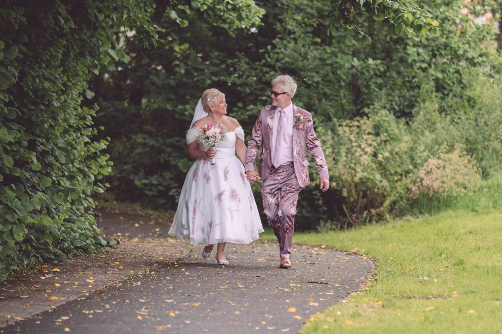 modern candid documentary wedding photography in Worcestershire by Renata Clarke